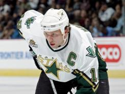 Jeremy Roenick says the Dallas Stars need the physcial play of Brendan Morrow, above, when they face the San Jose Sharks on Tuesday night.