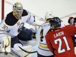 """Buffalo Sabres goalie Ryan Miller said of a playoff guarantee by Washington's Brooks Laich (21): """"I don't think he's Mark Messier."""""""