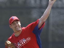 Cliff Lee threw six scoreless innings in Tuesday's exhibition.