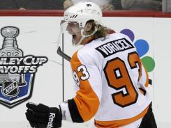 Jakub Voracek celebrates his game-winning goal that gave the Flyers a 1-0 series lead over the Penguins.