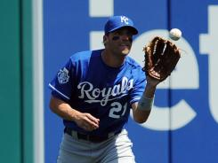 ROYALS' Jeff Francoeur delivers pizza to A's fans