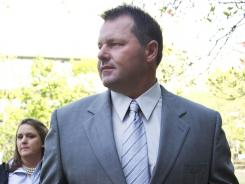 Roger Clemens arrives at federal court for jury selection.