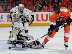Marc-Andre Fleury gives up a power-play goal against Wayne Simmonds during Game 3.