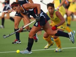 Rachel Dawson of the USA passes the ball during the Four Nations tournament between Australia and the United States on April 12 in Auckland, New Zealand.