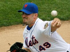 Pitcher Jonathon Niese and the New York Mets handed the Miami Marlins their fifth straight loss on Thursday, moving the Mets to 11-8.