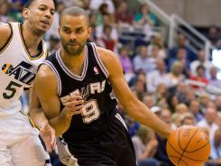Tony Parker poured in a game-high 27 points as the Spurs went ahead 3-0 on the Jazz.