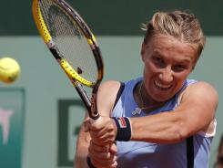 Svetlana Kuznetsova breezed to a first-round victory Sunday at the French Open.