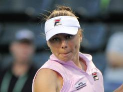Vera Zvonareva of Russia withdrew Monday from the French Open citing a shoulder injury.