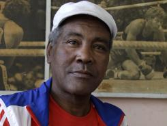 Cuba's three-time Olympic heavyweight boxing champion Teofilo Stevenson died on Monday at the age of 60.