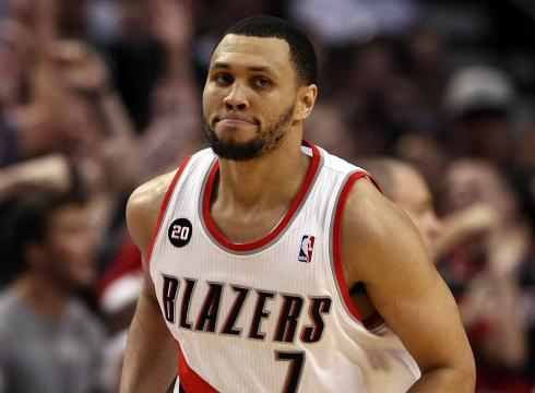 > Brandon Roy Signs with the T-Wolves - Photo posted in BX SportsCenter | Sign in and leave a comment below!