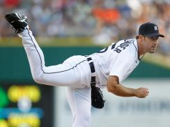 Behind Justin Verlander's eight solid innings, the Detroit Tigers moved within a half game of the AL Central leading Chicago White Sox.