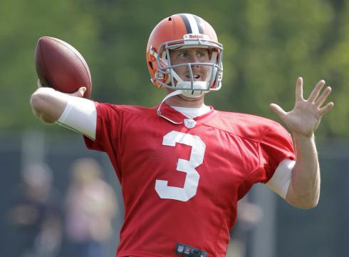 http://i.usatoday.net/sports/_photos/2012/07/24/Newly-signed-Weeden-ready-to-command-Browns-UP1U5GVV-x-large.jpg
