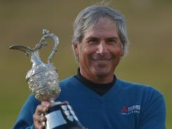 The USA's Fred Couples fired a 3-under 67 on Sunday and won the Senior British Open at Turnberry, Scotland.