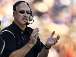 If the school can work out a schedule, coach Robb Akey and the Idaho Vandals will be playing as an FBS independent in 2013. Idaho last played as an independent in 1962.