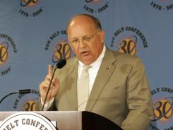 "Though the Football Bowl Association isn't exactly a new organization, AutoZone Liberty Bowl executive director Steve Ehrhart said this afternoon it has hired former Sun Belt commissioner Wright Waters (pictured here in 2005) and a national marketing firm to give the bowls ""an organized voice."""