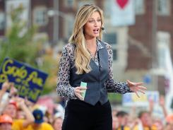 Erin Andrews will work NFL sidelines for Fox starting on Thanksgiving.