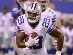 Running back DeMarco Murray had 131 yards rushing to take the pressure off quarterback Tony Romo.