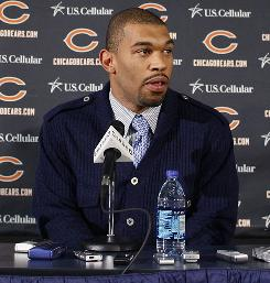 The Bears signed DE Julius Peppers to a six-year, $91.5 million contract.