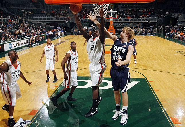 eric dwayne collins. Miami#39;s Dwayne Collins grabs