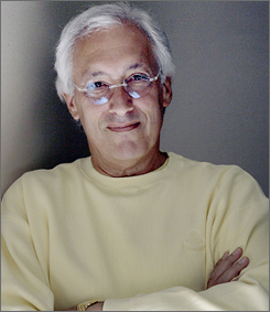 "Emmy award-winning writer Steven Bochco has teamed with Metacafe.com, a video site that hosts user-generated content, to launch ""Cafe Confidential,"" a series of confessional short videos."