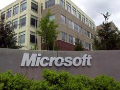 Microsoft is teaming up with AOL and Yahoo to sell online advertising.