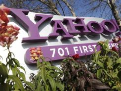 CEO Scott Thompson told other top Yahoo executives at a Thursday meeting that he never provided Yahoo with a resume or incorrect information about his academic credentials, according to a person familiar with the matter.
