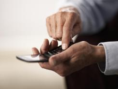 People with low income can qualify for a free cellphone plan.