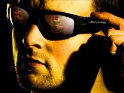 Alex Martin, a parkour athlete who Pivothead sponsors, wearing its glasses.