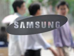 A South Korean court ruled on Friday that U.S. tech giant Apple and Samsung Electronics had infringed on each other's patents, ordering damage payments from both firms.