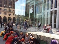A line outside the Fifth Avenue Apple Store in Manhattan.