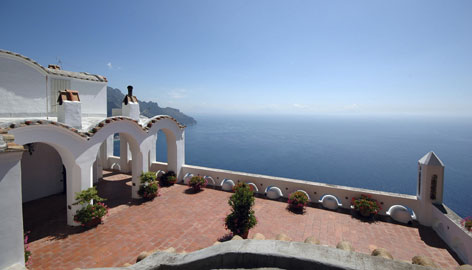 Unending sea: La Rondinaia, or Swallow's Nest, is an apt name for the Ravello mansion, which offers sweeping views from its cliffside location.