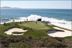 GolfFlyover.com allows golfers to view the layout of more than 6,000 courses, including Pebble Beach in California.