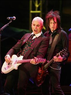 Everclear: Art Alexakis, left, and Davey French.