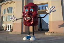 This ten-foot-tall California Raisin statue will be on permanent display at the Advertising Icon Museum in Kansas City, Missouri.
