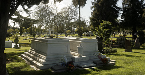 Oscar-winning director Cecil B. DeMille is buried at the Hollywood Forever Cemetery. Memorial markers for Jayne Mansfield and Johnny Ramone also attract fans from all over the world.