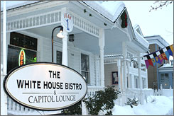 At The White House Bistro and Capitol Lounge, customers can listen to live music every week of the year.