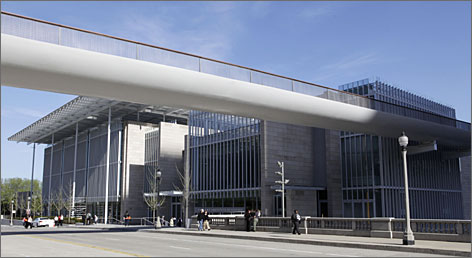 A bridge connects the new Modern Wing of the Art Institute of Chicago, designed by  Renzo Piano, with Millennium Park.