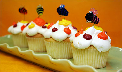In Alexandria, Va.: Cupcakes are the bee's knees at Buzz Bakery.