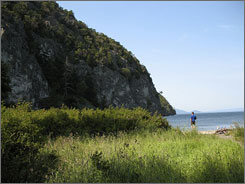 The mostly flat Lopez Island has little car traffic and features many beautiful public beaches.