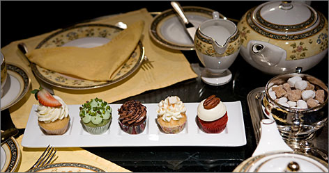 The Ritz-Carlton New York Central Park offers an elegant cupcake tea with five mini-cupcakes served on china with linen napkins.
