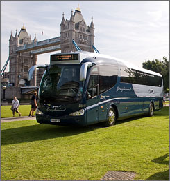 The Greyhound bus, a symbol of long-distance travel in the United States, is launching services in Britain.