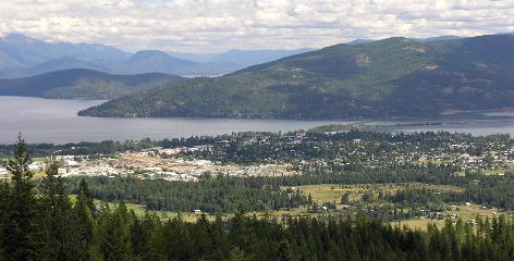 Natural beauty abounds: Bald Mountain towers over the town of Sandpoint, which sits on Lake Pend Oreille and is surrounded by wilderness, including the Cabinet Mountains. Winters are snowy but summers are warm in this retirement hot spot.