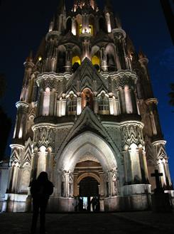 La Parroquia: San Miguel's church dates to the 17th century, but its facade was reworked in a fanciful neo-gothic style in 1880 by a self-taught architect and an indigenous bricklayer.
