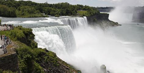 Despite the honeymoon hotels, souvenir stores and crowds, there's no denying the majesty of Niagara Falls.