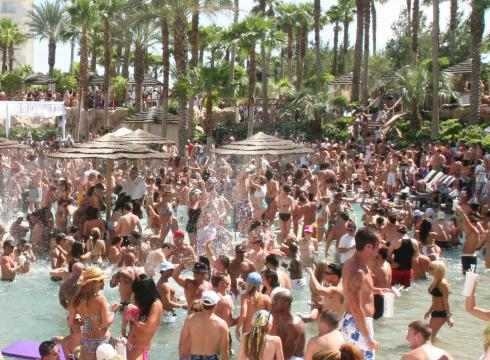 Las Vegas adult and topless pools open for the season - USATODAY.com
