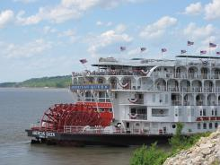 After four years of absence, the American Queen has reclaimed the Mississippi.