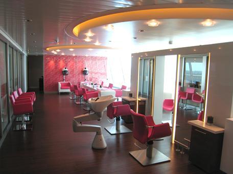 Small Beauty Salon Interior Design