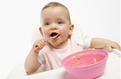 Moms can make healthy baby foods at home by pureeing vegetables, some pediatricians say.