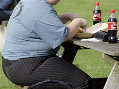 Obese, middle-aged men have a 60% increased risk of dying from a heart attack than non-obese middle-aged men.
