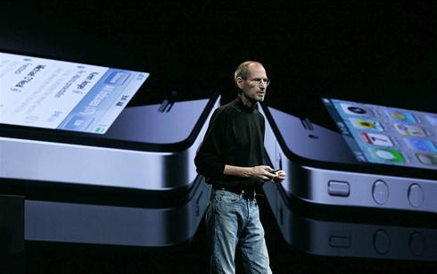 Steve Jobs + iPhone 4
